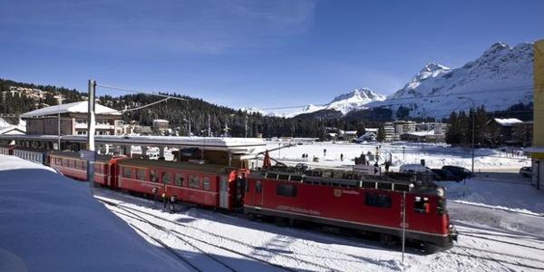 Der Bahnhof Arosa im Winter