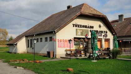 Magyarszombatfa, Tűzzománc Szomjoltó (DDKPH_12)