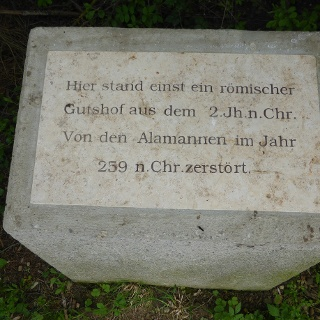 Gedenkstein zwischen Bad Grönenbach und Wolfertschwenden
