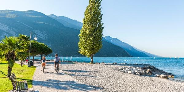 Last part, along the lake promenade