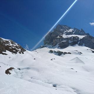 Rückblick zur Abfahrt vom Senniloch, rechts die Roggalspitze