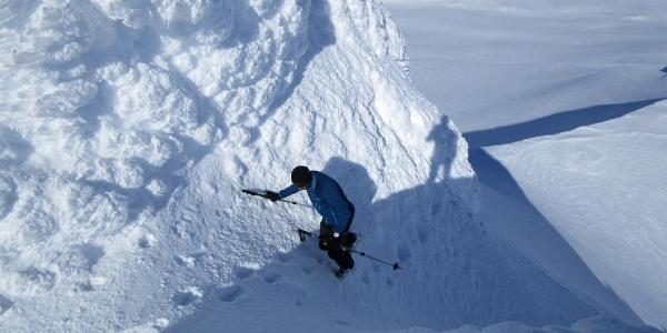 auf den letzten Metern zum Gipfel sind evtl. Steigeisen und Pickel erforderlich