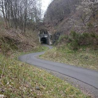 Tunnel Wegeringhausen, Einfahrt von Hützemert
