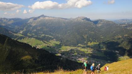 Wunderbarer Blick ins Kleine Walsertal und zum Hohen Ifen (links).