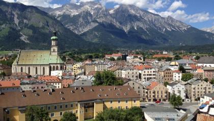 Hall in Tirol mit Bettelwurf