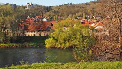 Treffurt an der Werra, im Hintergrund Burg Normannstein