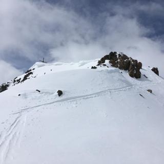 Gipfelaufbau mit Gipfelkreuz