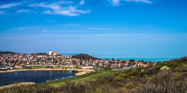 A Belső-tó, Tihany és a Balaton