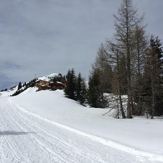 Die Bernhardseckhütte in Sichtweite