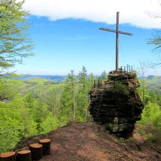 Friedenskreuz beim Maimontgipfel