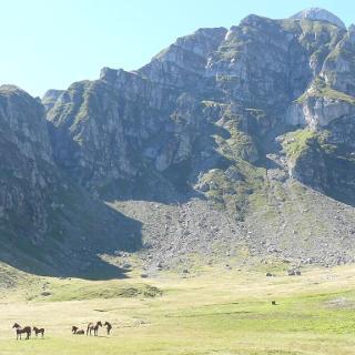 Scara tömbje a Tiganesti völgyből nézve