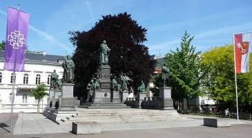 Lutherdenkmal zu Worms (Foto: Immanuel Giel , Quelle: https://commons.wikimedia.org/w/index.php?curid=10415428)
