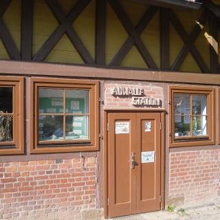 Eingang Auwaldstation