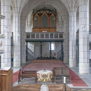 Kirchenschiff mit Orgel Bergkirche Eilenburg