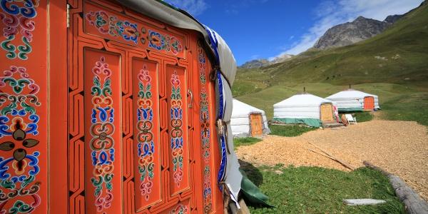 Die Jurten des Cotti Agricultura auf der Alp Flix
