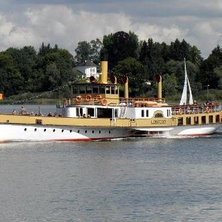 Fahrt des nostalgischen Flaggschiffes Ludwig Fessler