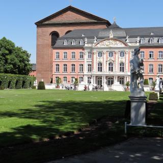 Kurfürstliches Palais Trier mit Konstantinsbasilika