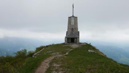 """Die Kapelle """"Il Redentore"""" auf dem Gipfel des Monte Cuarnan"""