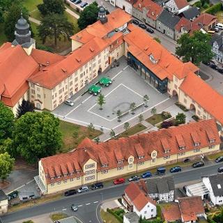 Marktplatz mit Schloss in Philippsthal