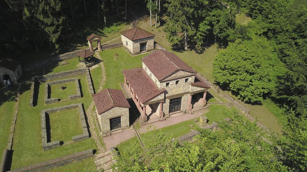 Foto: Tempelanlage Tawern (2)