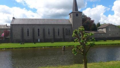 Eglise de Hotton -  reconstruite après WW2