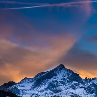 Die Alpspitze, das Wahrzeichen von Garmisch-Partenkirchen. Der Mauerschartenkopf ist knapp links außerhalb des Bildes.