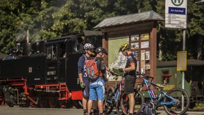 Start am Bahnhof der Fichtelbergbahn