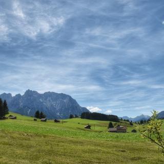 Blick auf den Karwendel über die Buckelwiesen