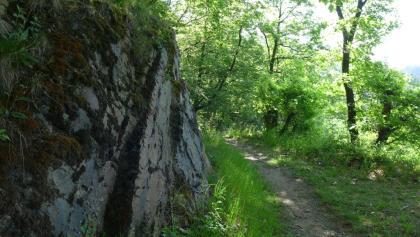 Passage mit Fels
