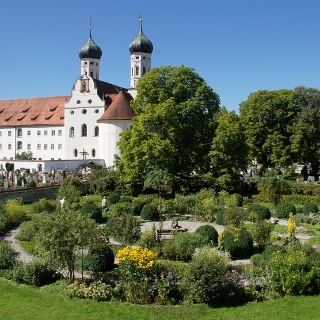 Meditationsgarten im Kloster Benediktbeuern