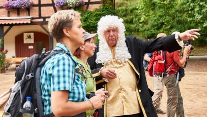 Der Graf vom Schloss Mespelbrunn weisst Euch den Weg.