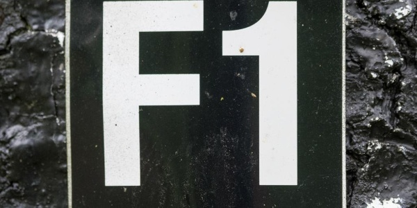 Wanderzeichen F1