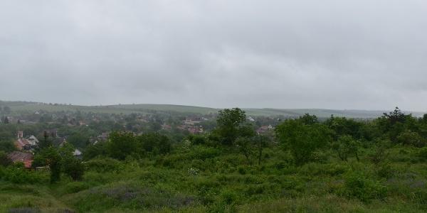 Kilátás egy esős napon  bogácsi Millenniumi kilátóból