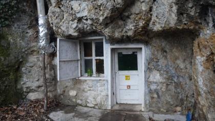A barlangszállás bejárata
