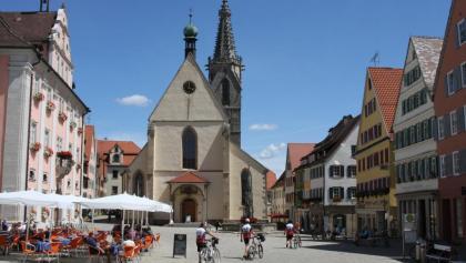 Die Domkirche in Rottenburg liegt in unmittelbarer Nähe der Diözese