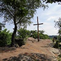 Kreuz am Drachenfels