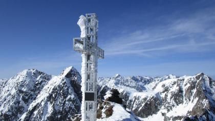 Gipfelkreuz der Sonklarspitze