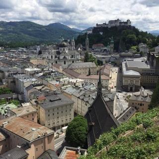 Salzburger Altstadt vom Mönchsberg