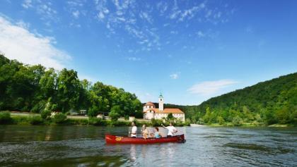 Bootswandern im Donautal bei Kloster Weltenburg