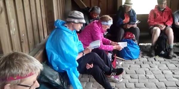 Pilgersingen in der Schutzhütte bei Wiedingen