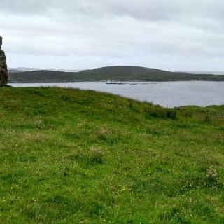 Standing Stone beim Clifden Castle