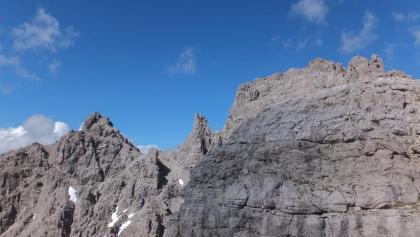 Blick vom Gipfel des Klupperkarturms auf Augzahn und Großen Rosszahn