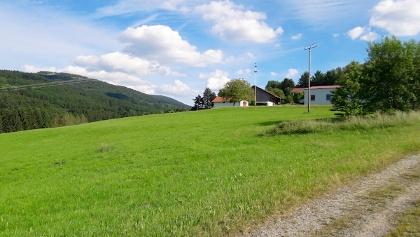 Blick zur Käsplatte und Maierhof