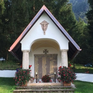 Wanderung Ramm-Kriegerdenkmal - Das Kriegerdenkmal in Ohlstadt