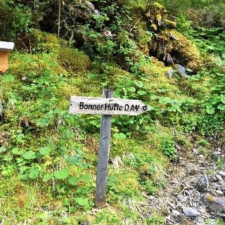 Wegweiser zur Bonner Hütte