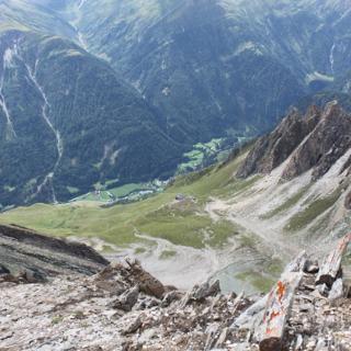 Kreuzspitze mit Sicht auf der Neue Sajathütte