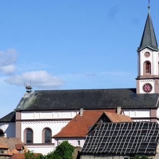 Wer findet den Storch auf der Neupotzer Kirche?