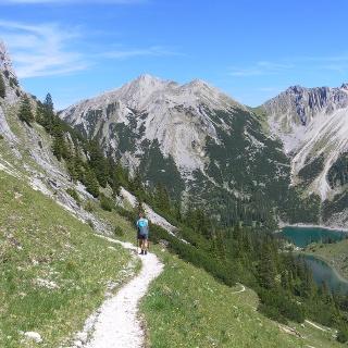 Gumpenkarspitze und Krapfenkarspitze über den Soiernseen