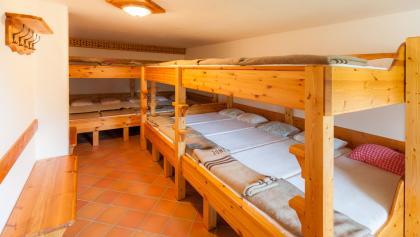 Matratzenlager in der Schöpflhütte des ÖTK