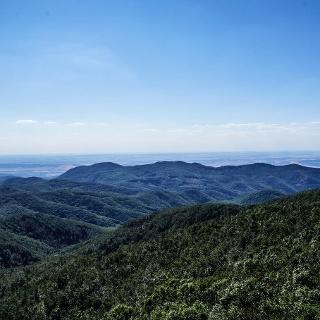 A Börzsöny szigetként nő a környező sík térszín fölé